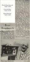 Voormalig oud-strijder en weerstander René Reunbrouck toont fier zijn bekomen militaire onderscheidingen