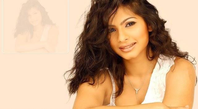 Bollywood Actress Tanisha Mukherjee Hot hd wallpapers