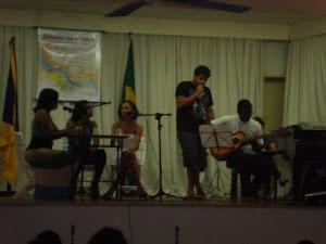 Renata Lú (voz),Nayara Cerqueira (voz), Gleides  Lelis (voz), Vitor Costa (voz) e Wellington Silva