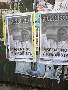 En la foto: La ciudad de Buenos Aires amaneció empapelada por carteles que . juicios