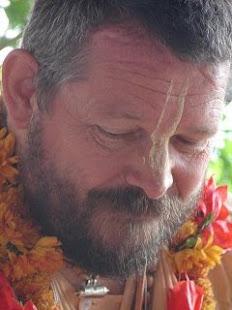 Paramadvaiti Swami
