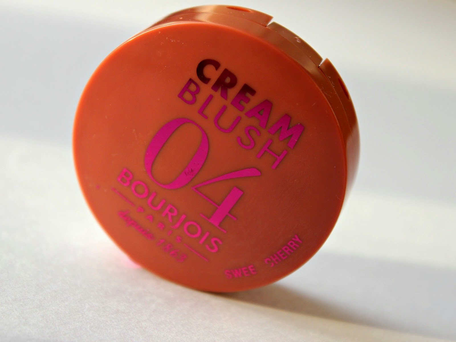 A picture of the Bourjois Cream Blush in Sweet Cherry
