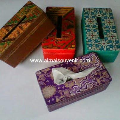 souvenir panitia box tisu finil batik