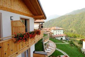 Bambini in montagna alberghi e hotel in trentino - Piscina pergine orari ...