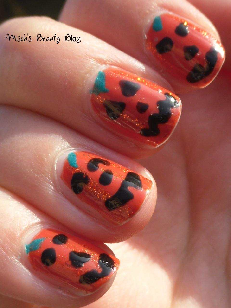 Misch\'s Beauty Blog: NOTD October 29th: Jack O\'Lantern Nail Art