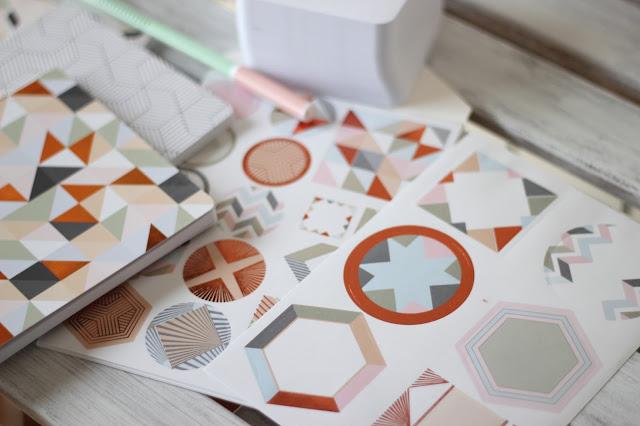 ikea-höstfint-papeleria-cuadernos-etiquetas-pegatinas
