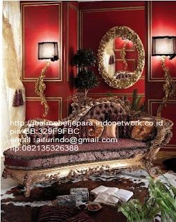 sofa klasik jepara jual mebel jepara Mebel furniture klasik jepara jual set sofa tamu ukir sofa tamu jati sofa tamu antik sofa jepara sofa tamu duco jepara furniture jati klasik jepara SFTM-33055 sofa classic italian furniture