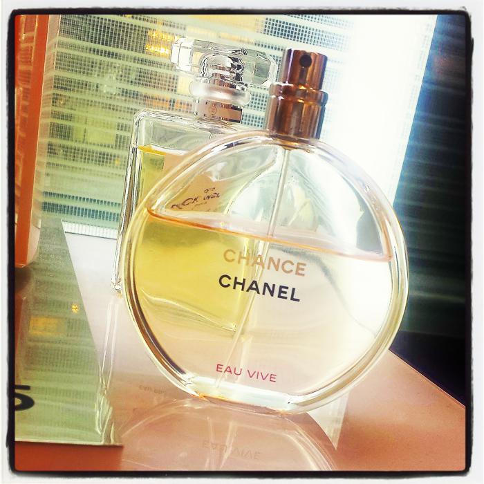 Chanel Chance Eau Vive Eau de Toilette Perfume Review