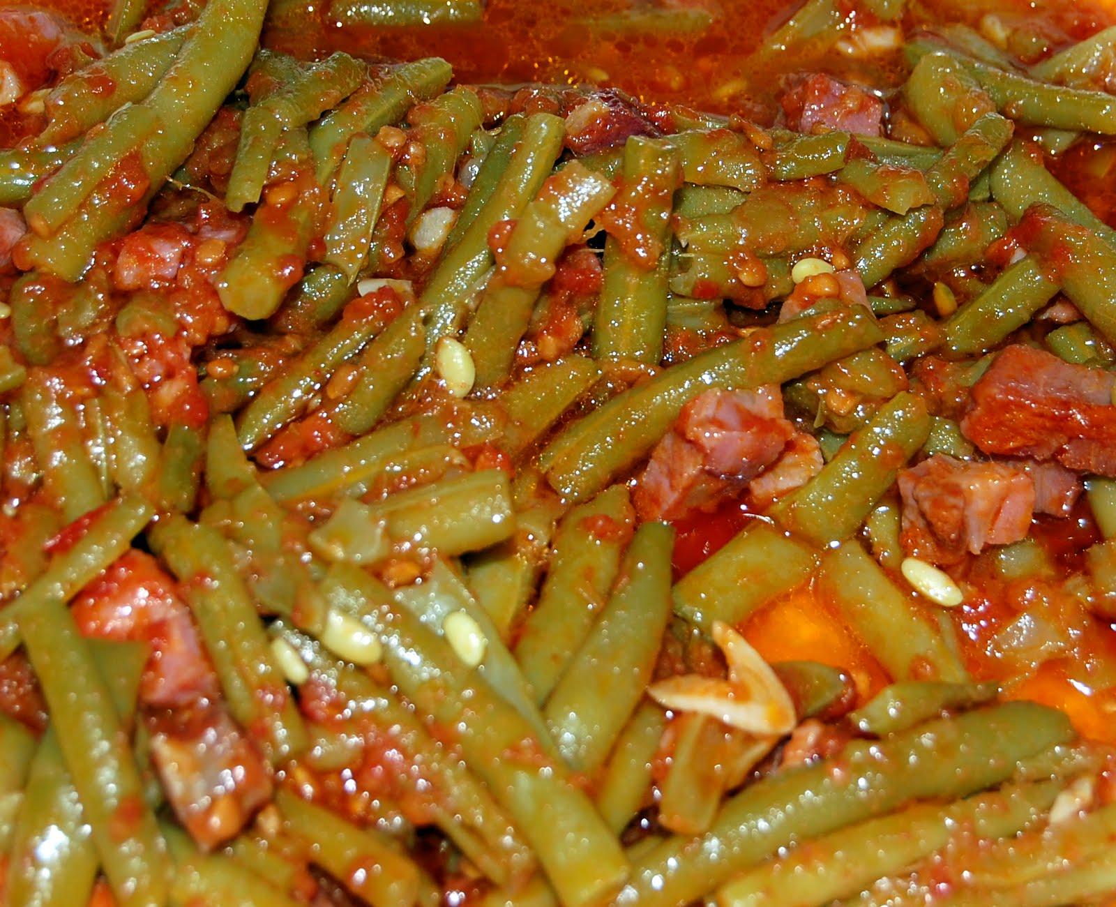 maleta y peineta jud as verdes con tomate y jam n