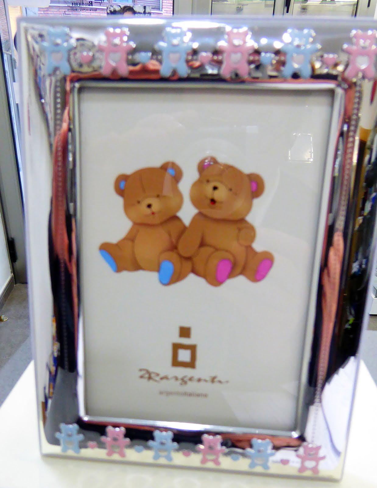 Marco de plata infantil, tanto para niño como niña.