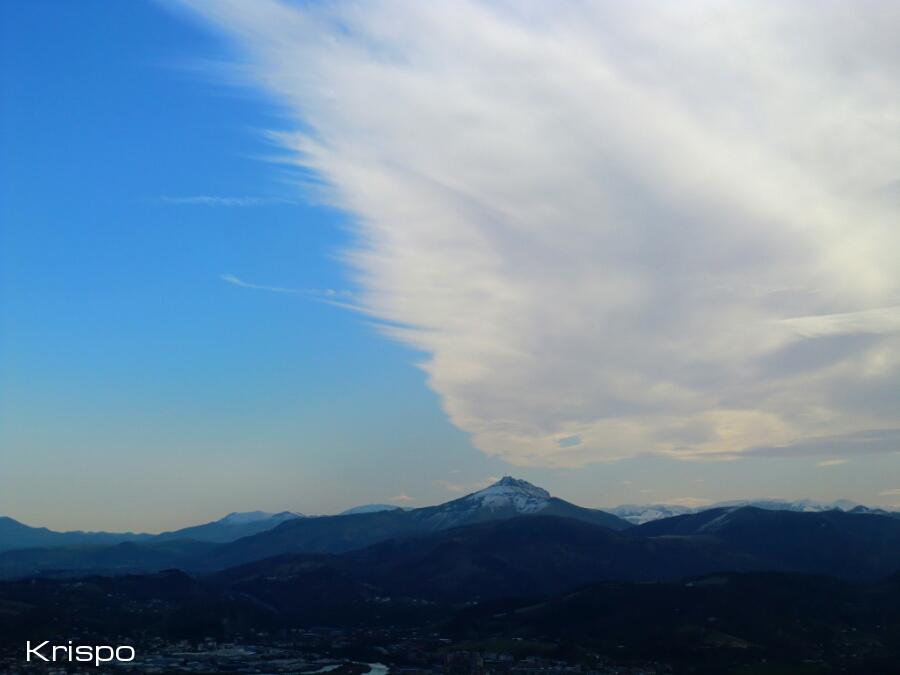 cielo y nubes desde el mirador de jaizkibel en hondarribia