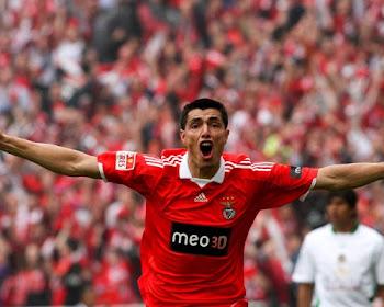 Máximo goleador extranjero: Cardozo
