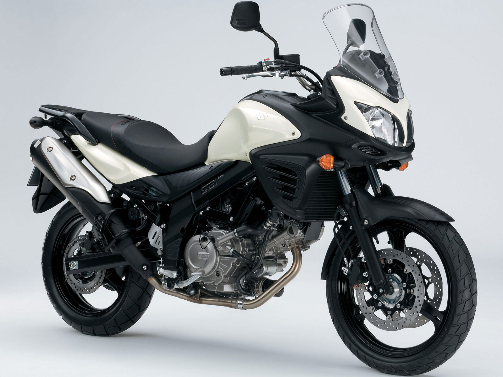 http://2.bp.blogspot.com/-2STlhrxaOCI/Tpz7ihZgANI/AAAAAAAACd8/FCYjsrSAqKo/s1600/2012-Suzuki-VStrom-650-ABS_motorcycle-desktop-wallpaper_5.jpg