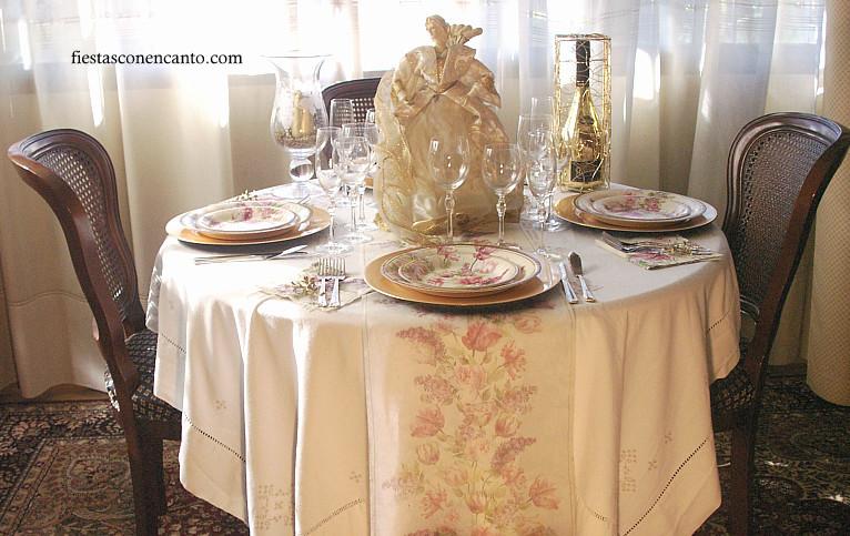 Fiestas con encanto decoraci n mesa navidad dorada - Decoracion fiesta navidad ...