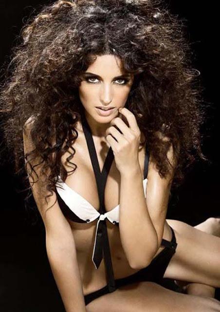 Noelia Lopez sexy in bikini fashion