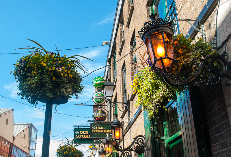 images of temple bar in Dublin Ireland