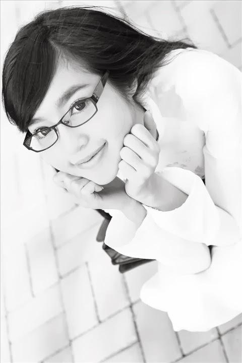 "Elly Tran Ha - "" Ao Dai"" white"