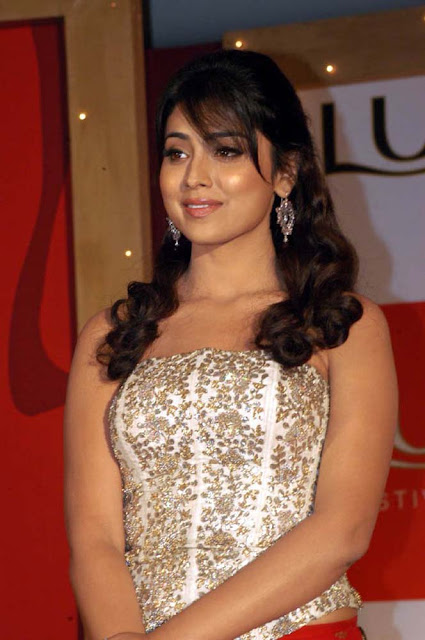 Shriya hd wallpapers