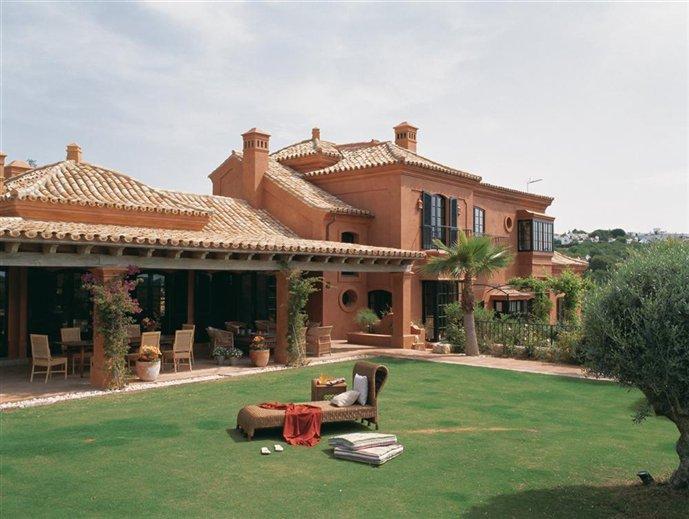 Terra cotta home in cadiz home appliance - Casas estilo ingles ...