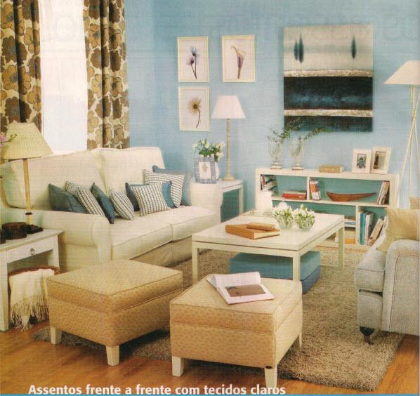 nesta sala de estar colocámos dois sofás um em frente ao outro para
