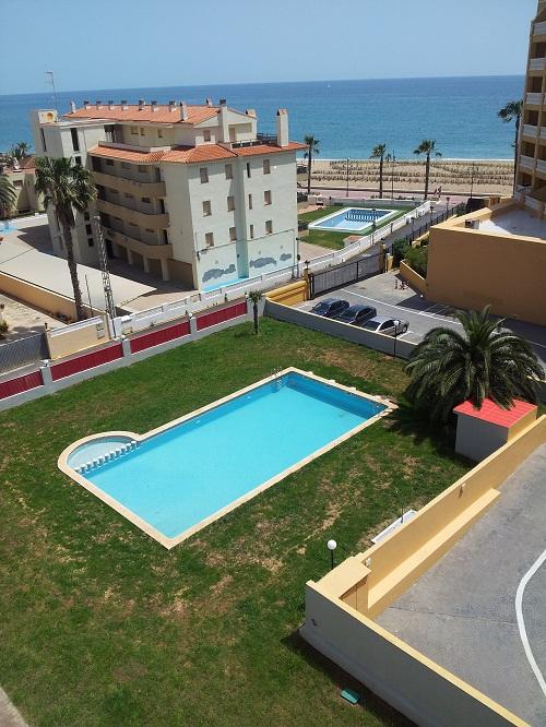 Apartamentos vacaciones atico l arenal pe iscola for Piscina atico