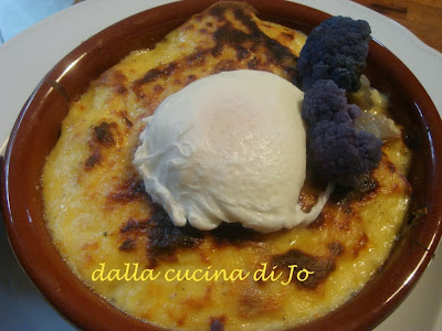 cavolfiore violetto al gratin con uovo poché