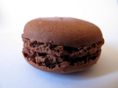 Les meilleurs macarons au chocolat de Paris - Dalloyau