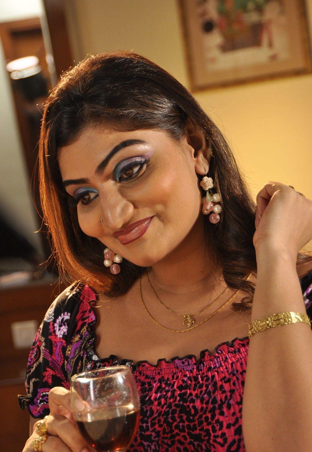 Grade Actresses in Tamil Movie Sokkali
