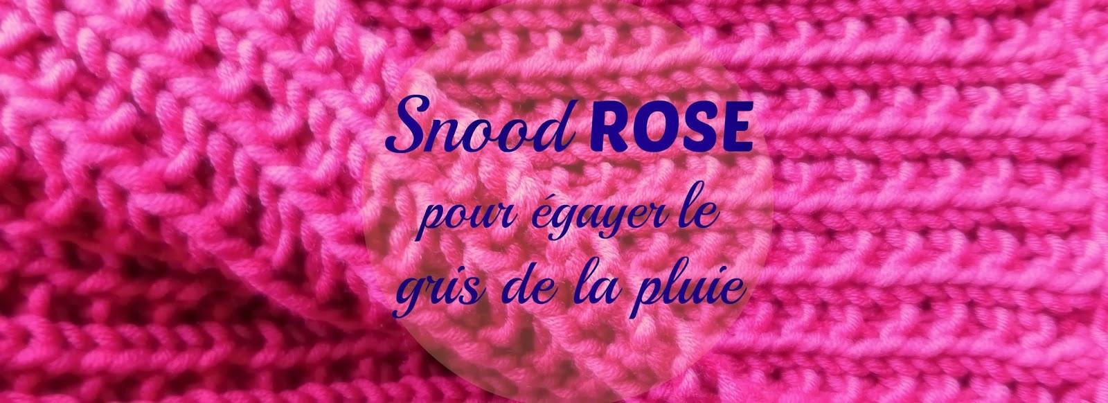 Un snood rose pour égayer le gris de l'hiver