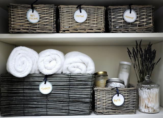 Deliciously+organized+linen+closet