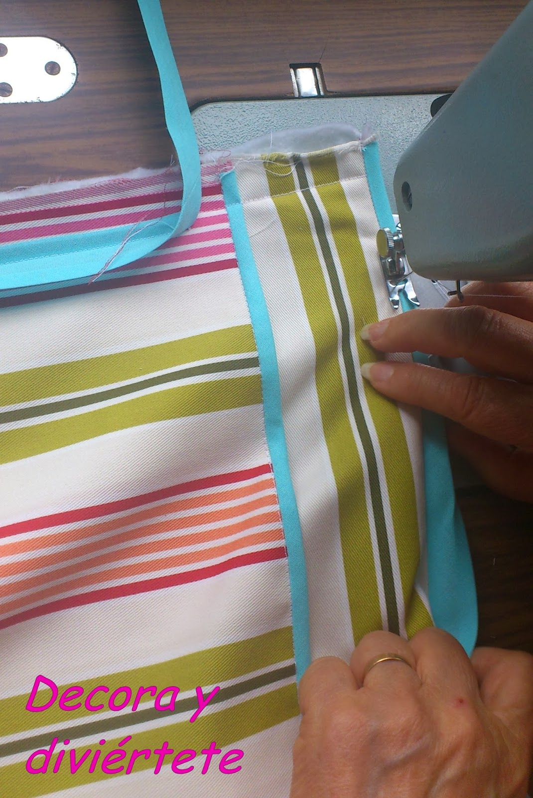 Un tutorial para hacerte un zapatero de tela decora y for Como hacer una zapatera