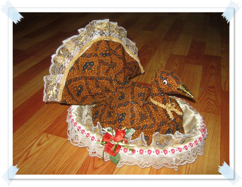 Tutorial Menghias hantaran kain batik menjadi bentuk merak Ladies