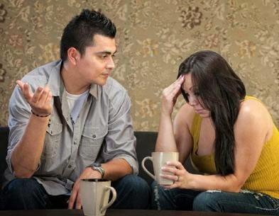 الروتين فى الحب.....تخلص منه قبل ان يدمر العلاقة  - حبيبان تعيسان مشاكل زوجية - unhappy couple