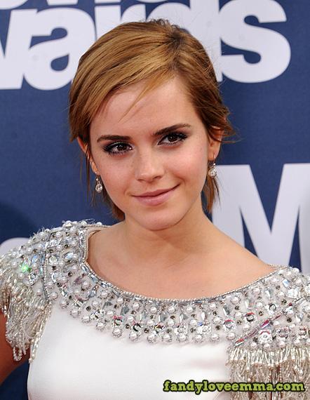 makeup emma watson short hair 2011 2011 Emma Watson Hairstyles emma watson