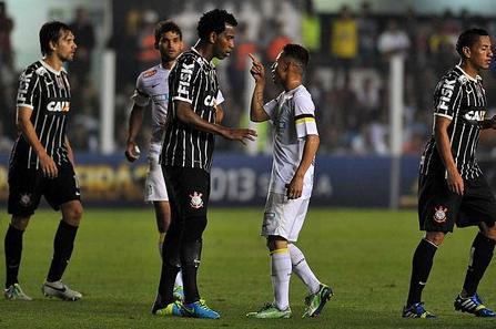 Neílton encara Gil e Corinthians