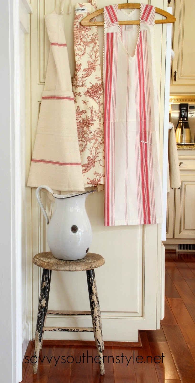 savvy southern style adding farmhouse style in the kitchen