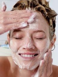 perawatan kulit natural alami membersihkan wajah
