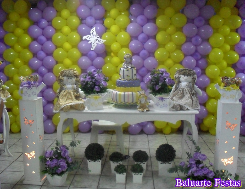 BALUARTE FESTAS ! Bonecas Camponesa  Decoração amarelo e lilás