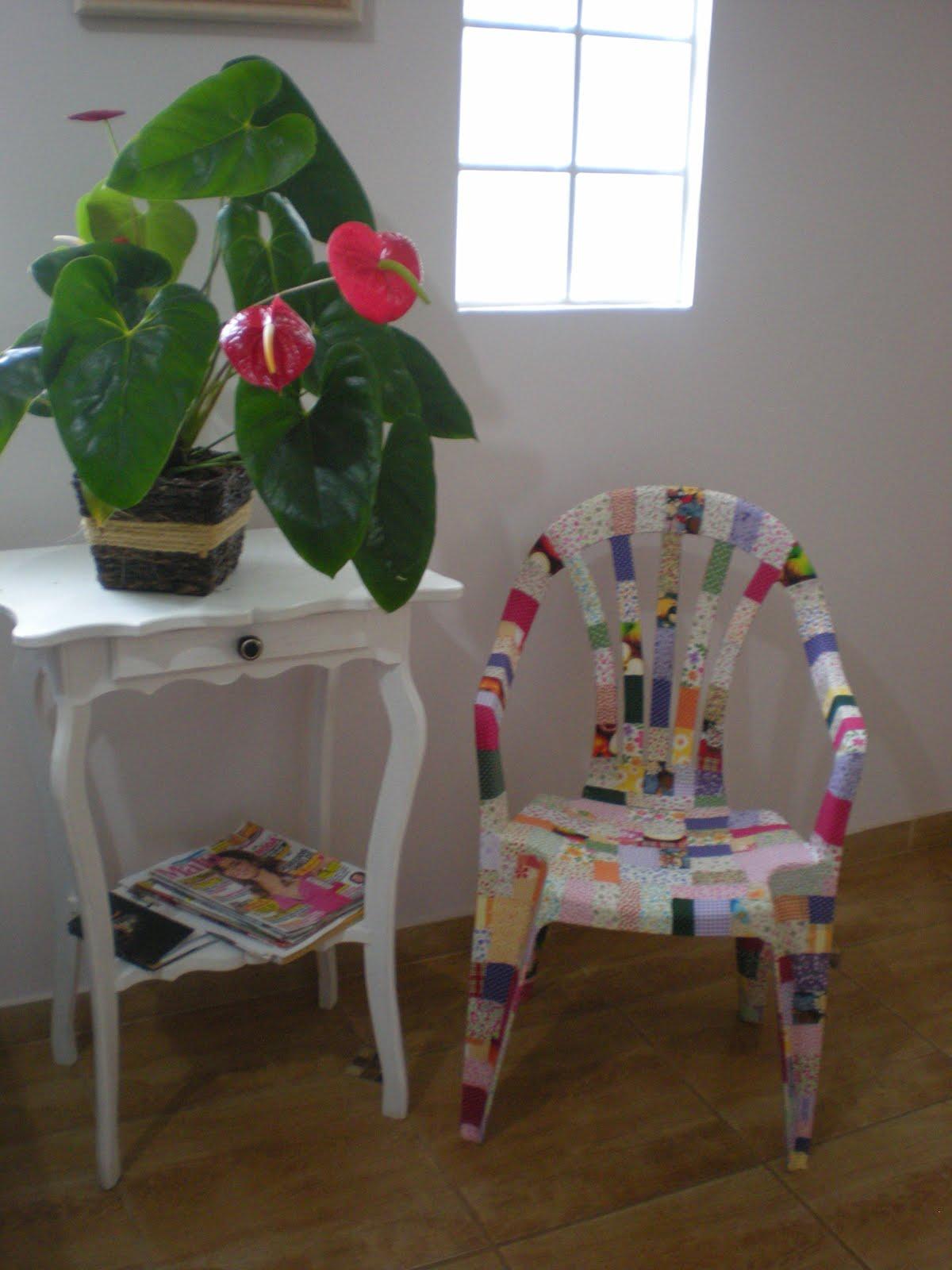 Krica Artes: Cadeira forrada com tecido #A6253E 1200x1600