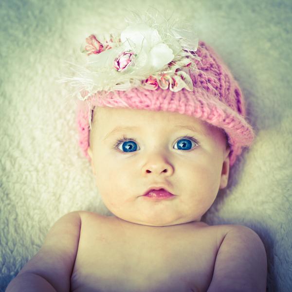 photo bebe fille yeux bleu b b et d coration chambre b b sant b b beau b b. Black Bedroom Furniture Sets. Home Design Ideas