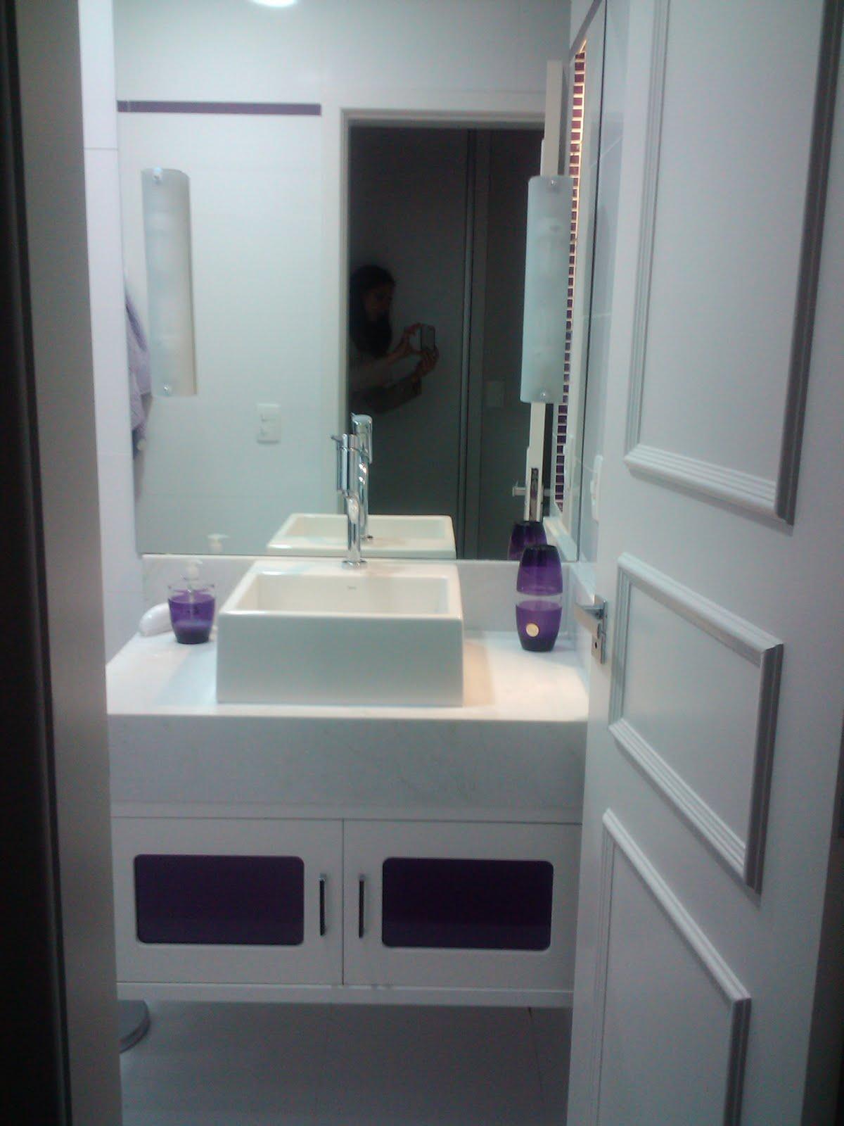 : Antes e Depois Banheiro Solteiro Apartamento Cidade Baixa I #5D4A68 1200x1600 Banheiro De Apartamento Com Banheira