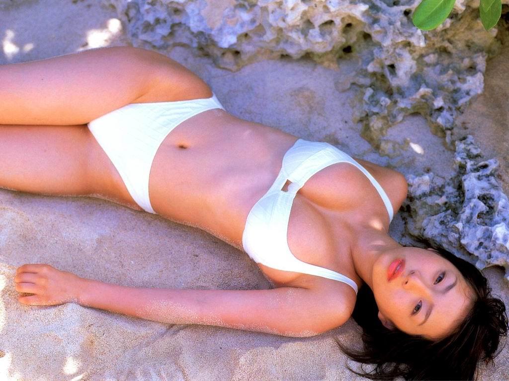 asian girls beach bikini 4