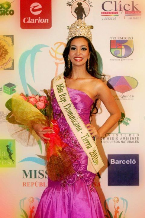 sarah feliz,miss earth dominican republic 2011