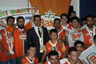Banvit itoudis turkish basketball