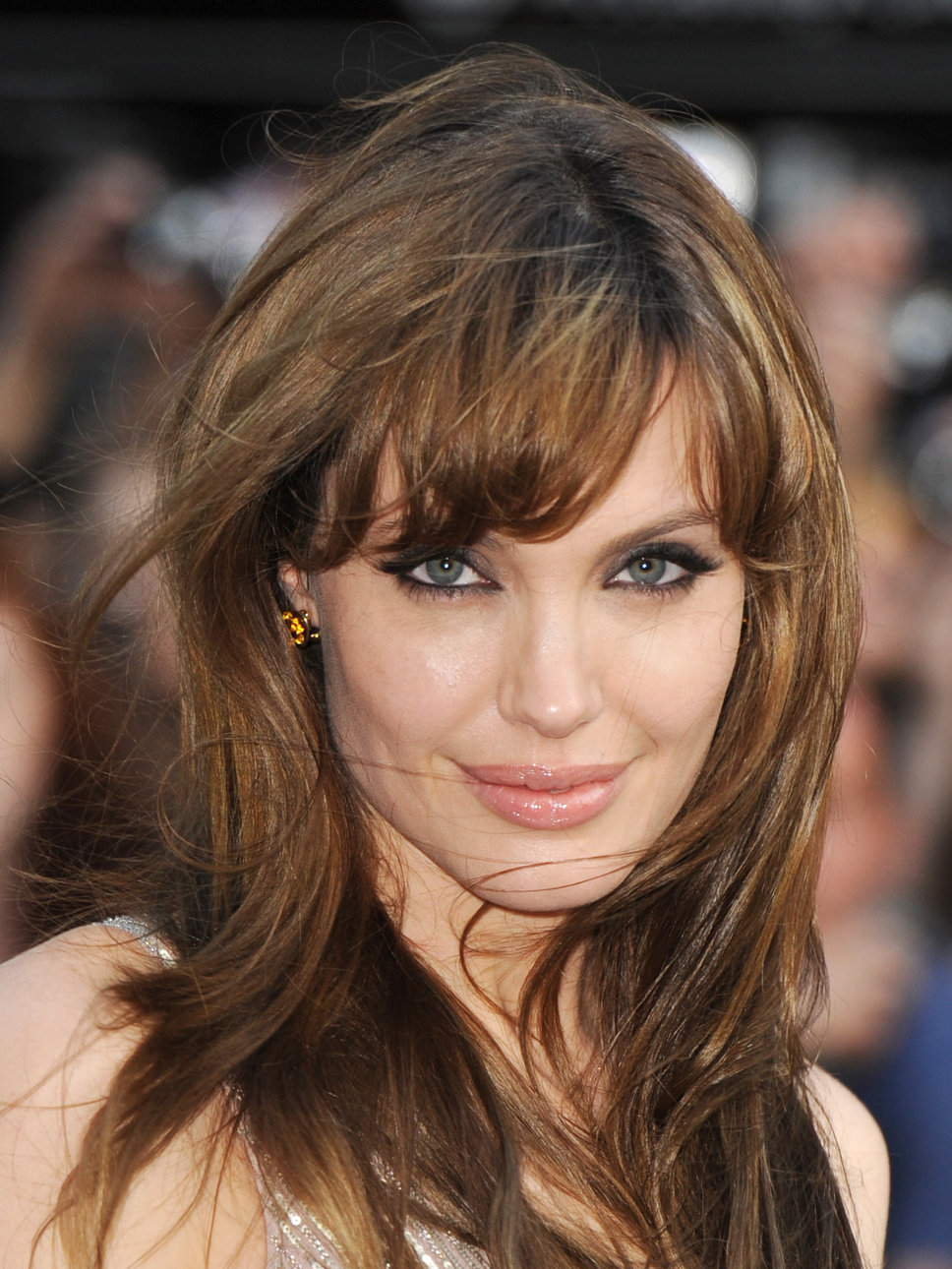 Angelina Jolie Hairstyles 2014 Long Hairs Cut Pictures