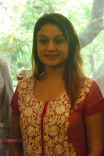 Sonia Agarwal Pictures in Red Salwar Kameez at Musee Musical Piano Salon Launch ~ Celebs Next