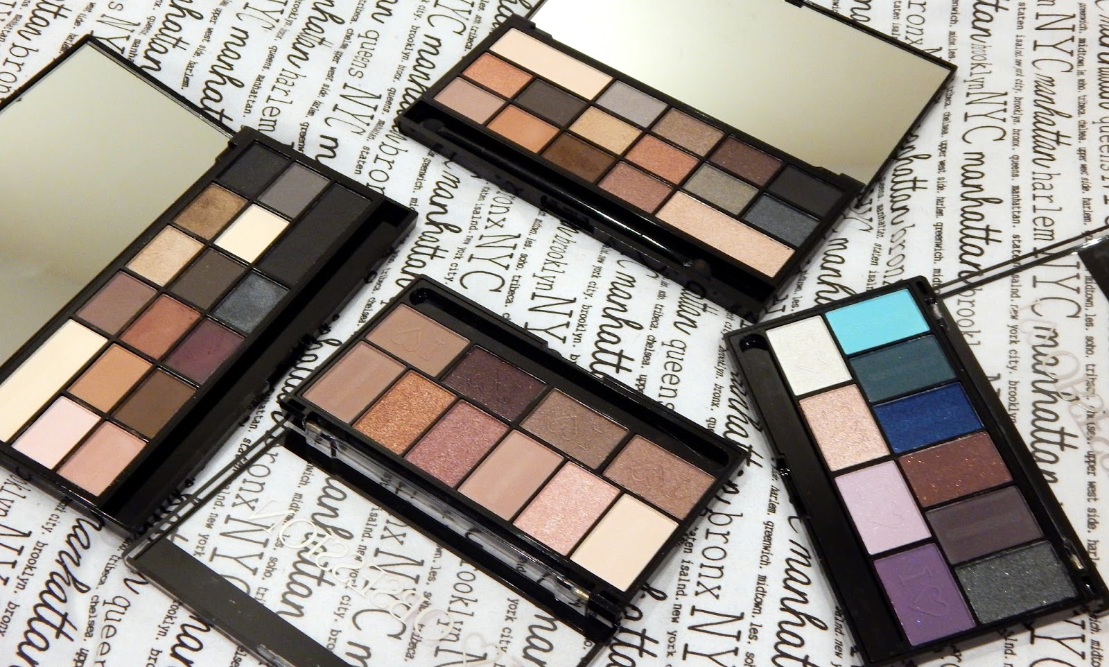 Makeup Revolution Black Velvet