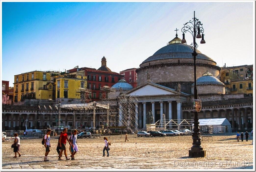 Piazza Plebiscito, Igreja de San Francesco di Paola, Nápoles, Itália