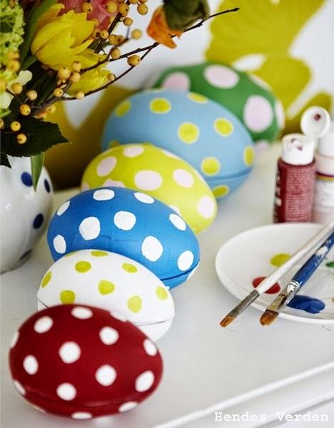 http://www.hendesverden.dk/handarbejde/hobby/Prikket-paske/