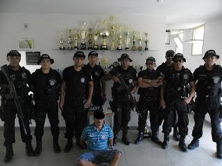 OURICURI-PE: Polícia Militar prende procurado da justiça e apreendem arma e droga